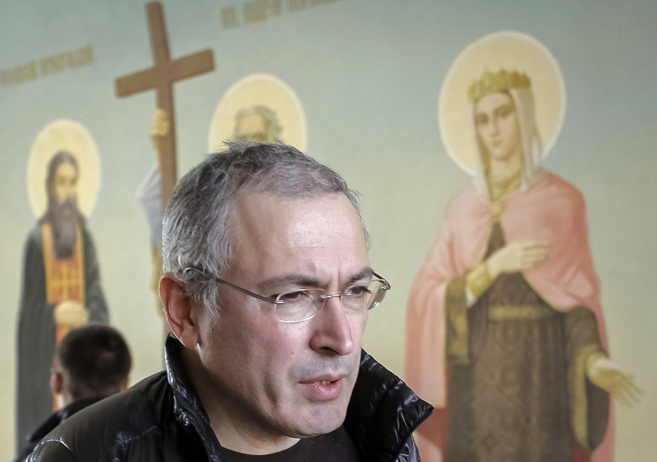 Former Russian oil tycoon Mikhail Khodorkovsky visits Kiev, a day before giving students a lecture on human rights and freedom March 9, 2014. Russian forces tightened their grip on Crimea on Sunday despite a U.S. warning to Moscow that annexing the southern Ukrainian region would close the door to diplomacy in a tense East-West standoff.  Khodorkovsky, who was widely seen as a political prisoner, was released by Russian President Vladimir Putin in December last year after more than 10 years in jail.   REUTERS/Tatyana Makeyeva  (UKRAINE - Tags: POLITICS CIVIL UNREST)