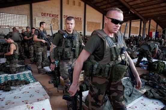 magyar-mali-katonak