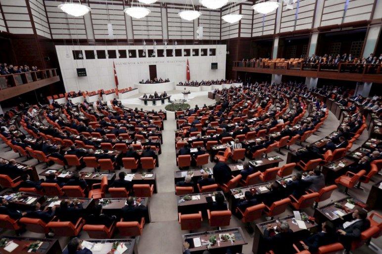 torok-parlament