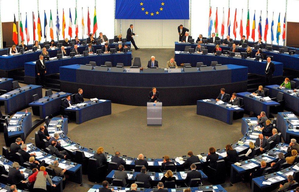 Brüsszel kettős mércével mér