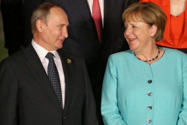 Merkel: Berlinnek stratégiai érdeke a Moszkvával való jó viszony