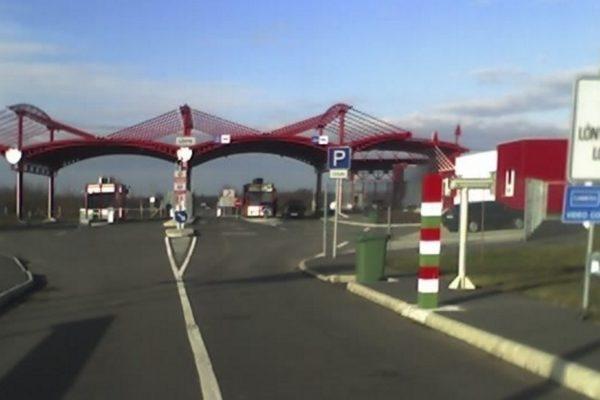 Szünetel a forgalom a lónyai magyar-ukrán határátkelőhelyen