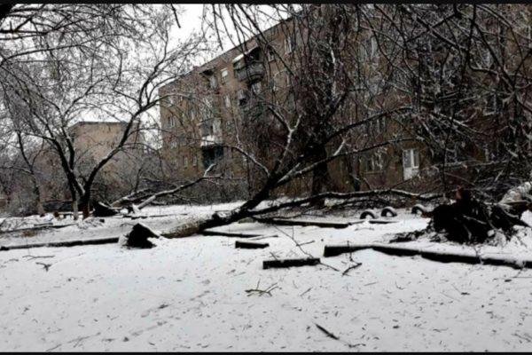 Hóvihar - Több mint 80 településen akadozik az áramszolgáltatás Kárpátalján