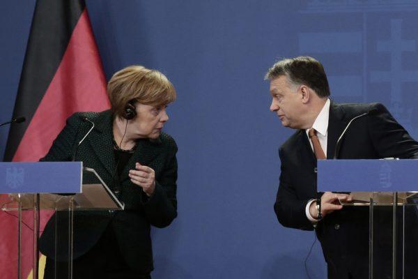 Merkel meghívta Orbánt Berlinbe