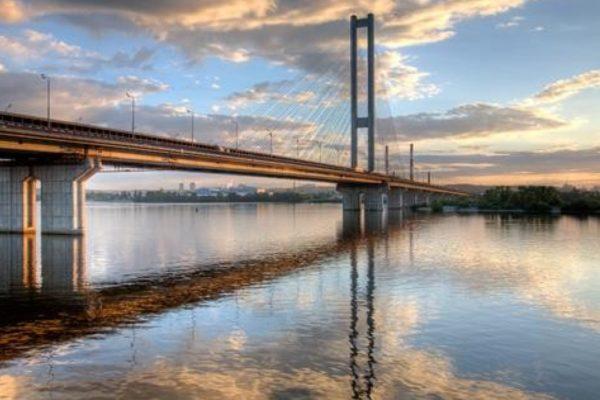 Ukrajnában 9 ezer híd balesetveszélyes