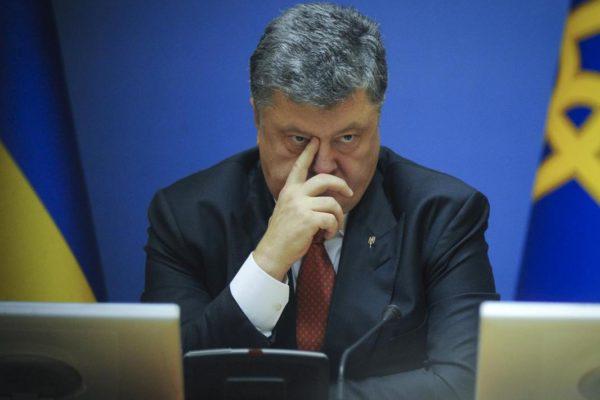 Zelenszkij feltárta, hogyan lopott Porosenko