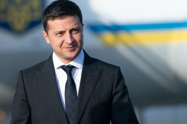 Zelenszkij aláírta a lehallgatásról szóló törvényt