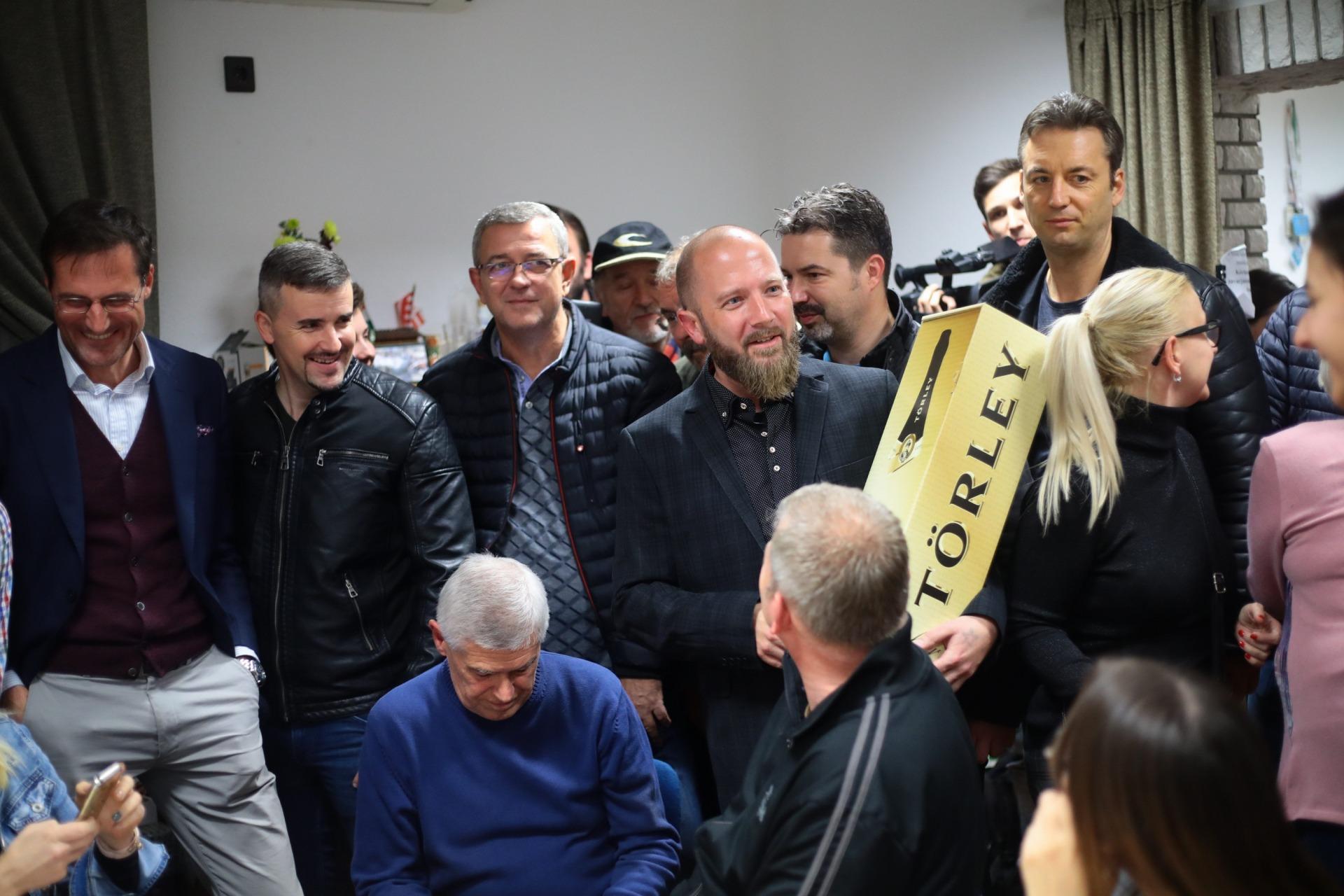 Óriási főlénnyel győzte le a Fideszt Jászberényben a jobbikos polgármesterjelölt