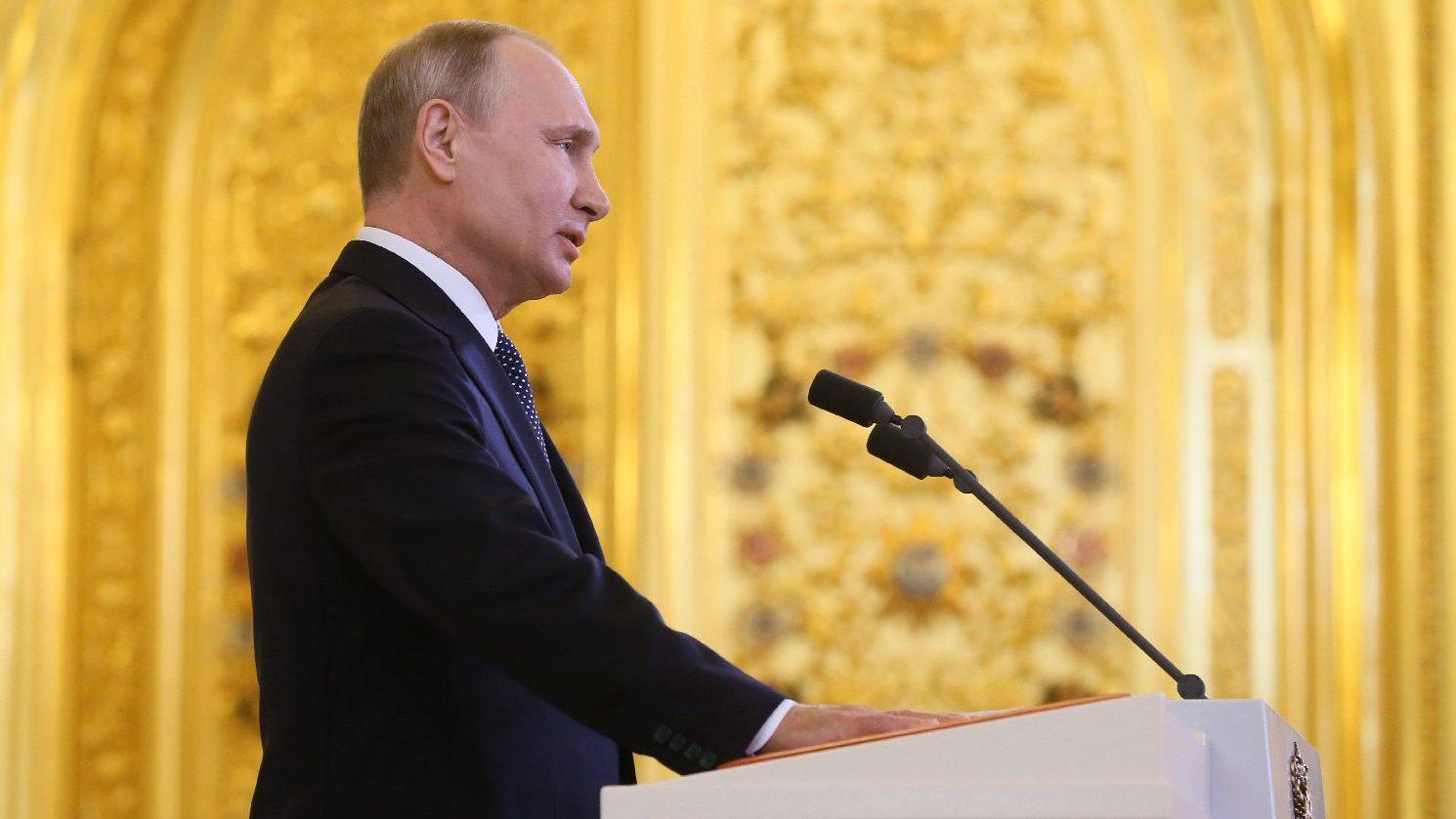 Putyin bejelentette az első orosz COVID-19-vakcina bejegyzését